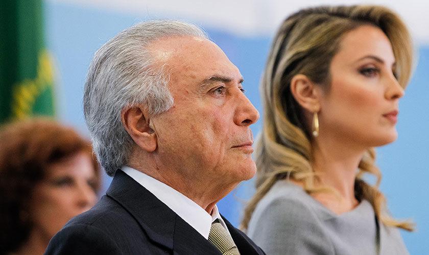 """TEMER AFIRMA QUE O LUGAR DA MULHER É """"NO LAR"""" – E TOME REFORMA DA PREVIDÊNCIA…"""