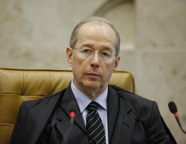 MINISTRO CELSO DE MELL0 PEDE EXPLICAÇÕES AO SUPREMO SOBRE PL DA TERCEIRIZAÇÃO