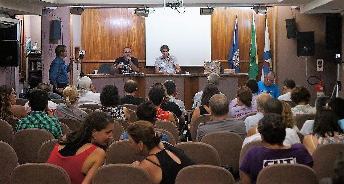 ASSEMBLÉIA NO SINPRO-RIO APROVA PARALISAÇÃO DOS PROFESSORES NO DIA 15 DE MARÇO