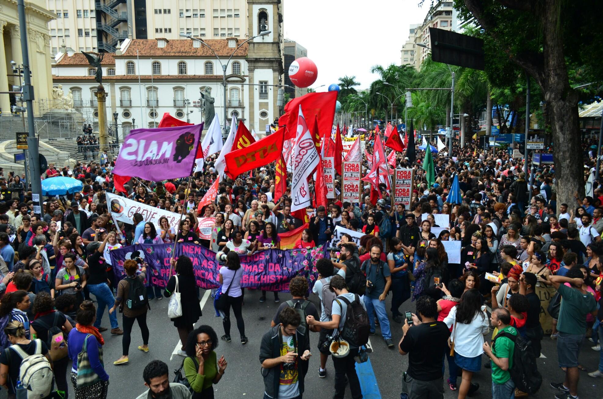 Nota Sinpro-Rio: Greve Geral, um misto de alegria e de tristeza