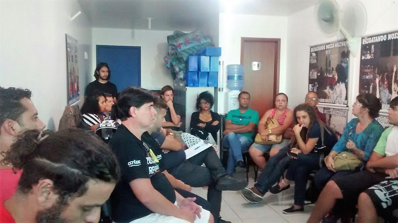 Contra as reformas de Temer, trabalhadores se reúnem em Cabo Frio