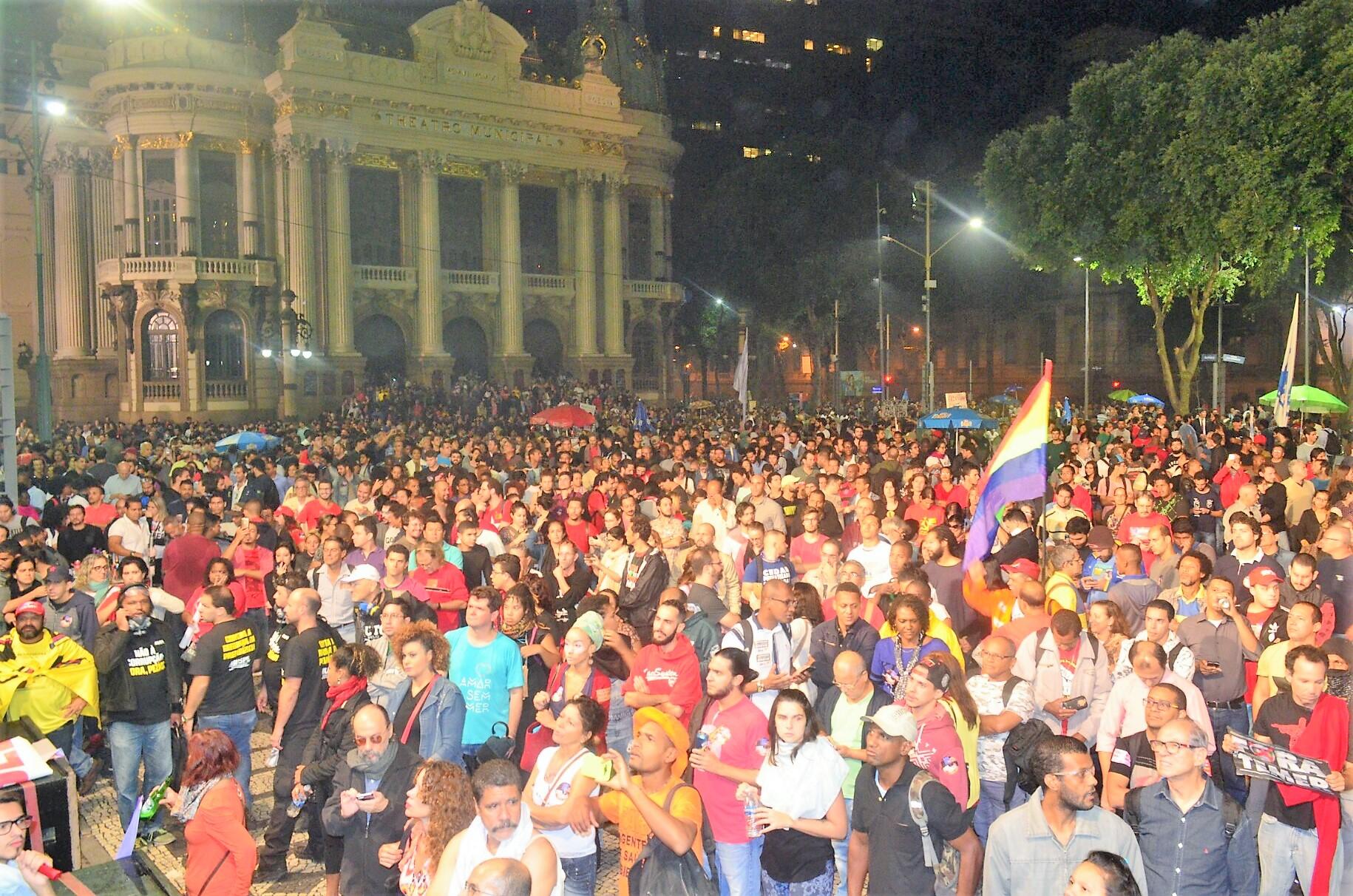 Nessa segunda, 1º de Maio na Cinelândia, contra as reformas e a violência policial