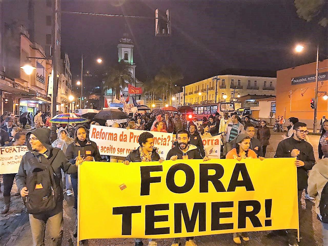 Feteerj exige a saída do corrupto Temer, eleição direta pra presidente e arquivamento das reformas