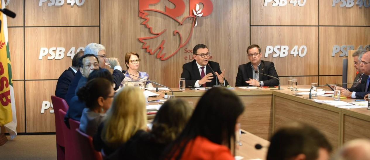 Pressão começa a fazer efeito: PSB decide não apoiar as reformas de Temer