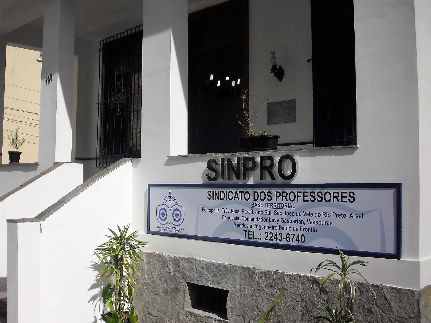 Sinpro Petrópolis envia carta às direções de escolas sobre a greve geral de 28/04