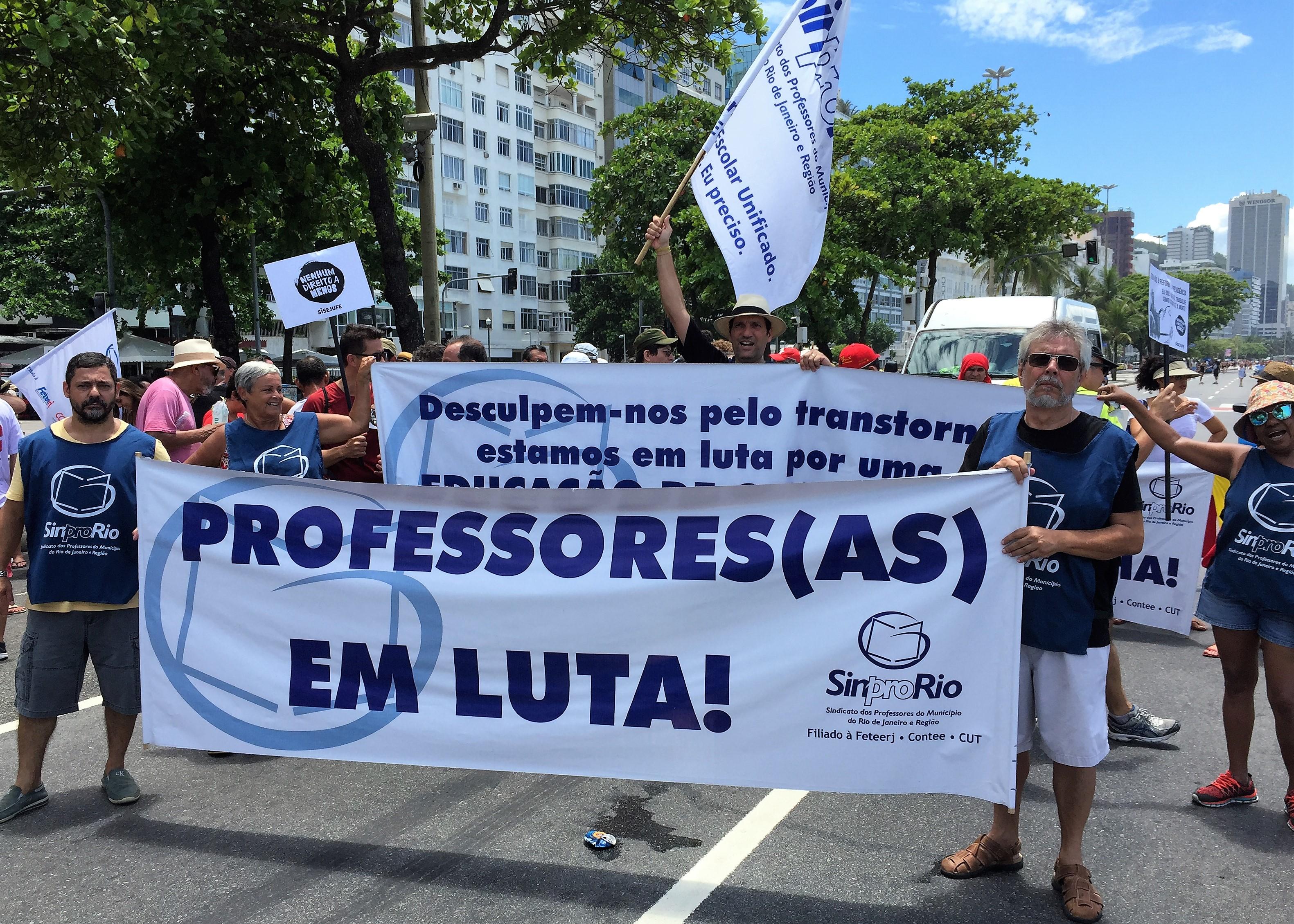 Sinpro-Rio: professoras e professores, em estado de greve, exigem respeito do patronato