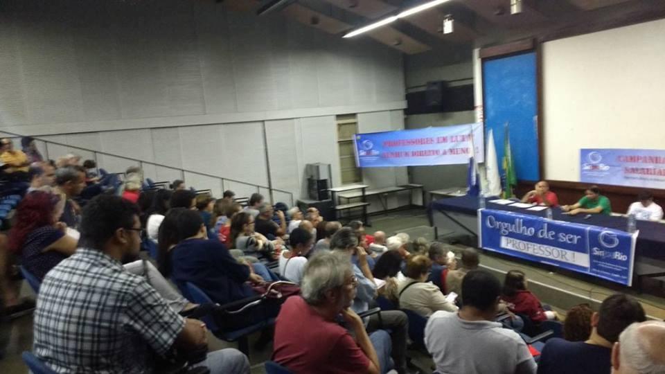 Sinpro-Rio: assembleia da educação básica aprova acordo da Campanha Salarial 2017