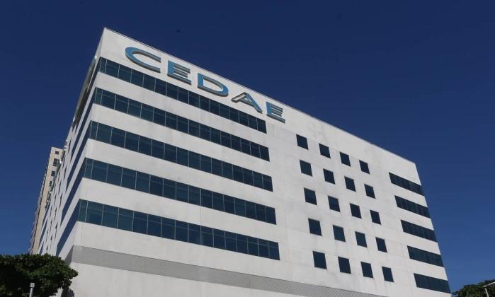 Justiça do Trabalho suspende privatização da Cedae
