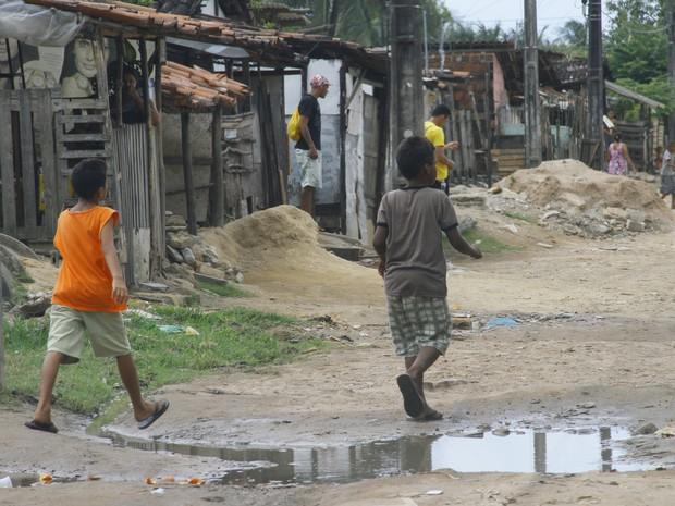 Vergonha: apenas 10% da população concentra quase metade da massa de rendimentos do país