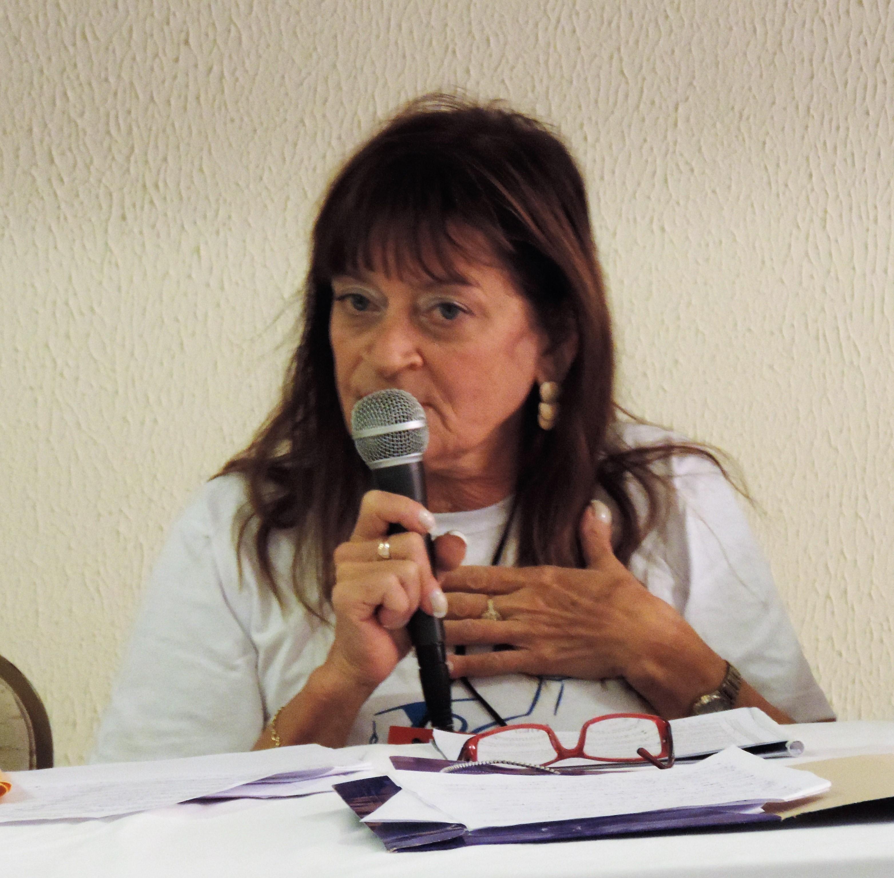 Feteerj lamenta o falecimento da professora Lygia Carreteiro